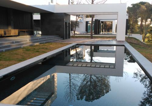 Vivienda unifamiliar aislada con piscina y zona de spa en Girona - 84e4b-pga_golf_0005.jpg
